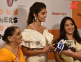 Pooja Hegde's good deed with mother and grandmother