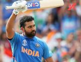 Fan troubles Rohit Sharma in the middle of the match, Gavaskar fires!