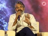 Rajamouli clarifies about not casting Mahesh in #RRR