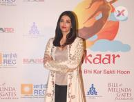 Aishwarya Rai at Farhan Akhtar's MARD foundation at Amphitheater in Bandra