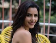 Bold and Beautiful pictures of Priya Anand