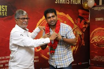 Thimiru Pudichavan Movie Pooja Photos