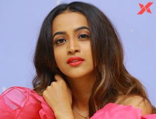 Shruthi Shetty latest pics from Life Anubhavinchu Raja movie trailer launch