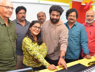 Entha Manchivadavura 'O Chinna Navve Chaalu' song launch at Radio Mirchi Hyderabad