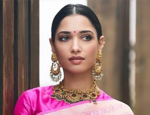 Tamannaah looks ravishing in traditional attire