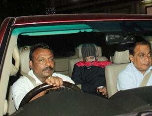 Amitabh Bachchan snapped on discharge from Lilavati Hospital