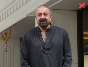 Sanjay Dutt spotted at Anand Pandit's house in Juhu - Photos