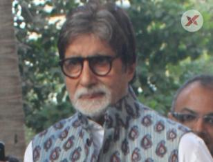 Amitabh Bachchan spotted at Versova in Mumbai