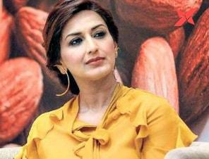 Sonali Bendre asks her fans to share stories of hope; Shares a series of tweets on the same