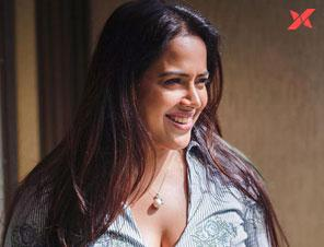Sameera Reddy calls the film industry a game of snakes and ladders