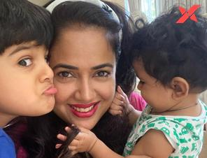 Sameera Reddy says she believes that kids should get equal time from both their parents in the early years of their lives.
