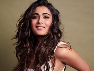 Alluring photoshoot pictures of Shalini Pandey