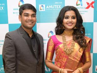 Anutex Shopping Mall Grand Festival Prizes and Collection Launched by Anupama Parameswaran