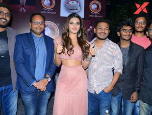 Nidhhi Agerwal launches Chocklate Room store in Hitech City