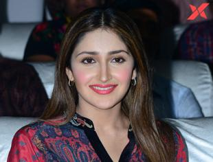 Sayesha Saigal at Bandobast Movie Pre Release Event - Photos