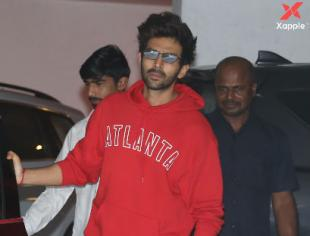 Kartik Aryan spotted at Karan Johar's house in Bandra - Photos