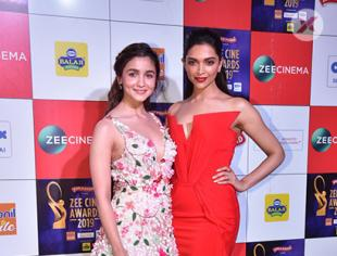 Priyanka Chopra and Alia Bhatt at Zine Cine Awards Red Carpet - Photos