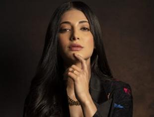 Stunning pictures of the south siren Shruti Haasan