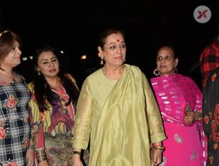 Poonam Sinha & others spotted doing Holi Pujan at Juhu - Photos