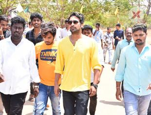 Varun Sandesh visits Priyadarshini College in Nellore - Photos