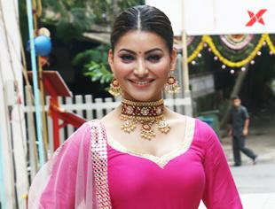 Urvashi Rautela at the Tseries office for Ganpati darshan