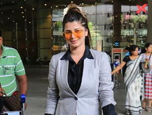 Kainaat Arora Spotted at Airport - Photos