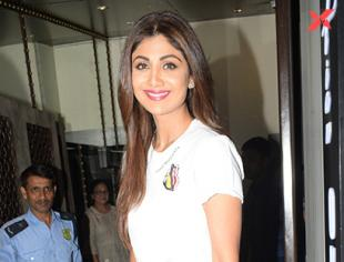 Shama Sikander, Shilpa Shetty & Raj Kundra spotted at Bastian in Bandra - photos