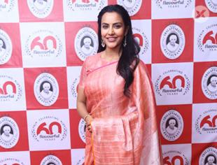Actress Priya Anand Grabs Dindigul Thalappakatti Super Women 2019 Awards Event photos