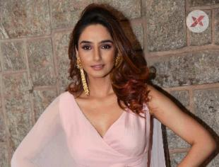 Ragini Dwivedi Latest Photos