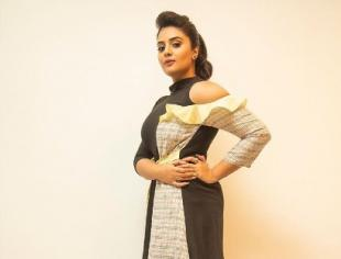 Small screen actress Sreemukhi's beautiful photoshoot pictures