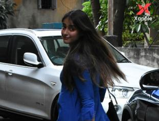 Ileana D'cruz spotted at Bandra, Mumbai - Photos