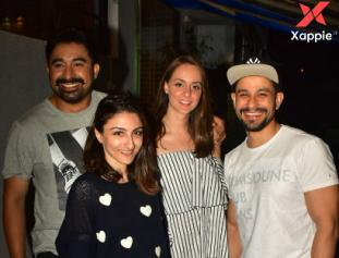 Photos of Neha Dhupia, Angad Bedi, Soha Ali Khan & Kunal Khemu spotted at Izumi, Mumbai