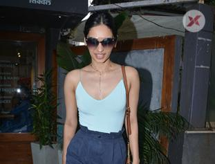 Manushi Chhillar spotted at sequel bandra