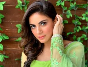 Television actress Shraddha arya looks gorgeous in her latest photos