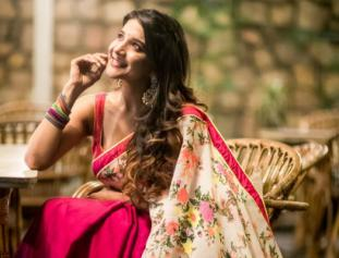 Sakshi Agarwal looks pretty in traditional wear - photos