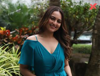 Sonakshi Sinha spotted at Sun & Sand Juhu - Photos