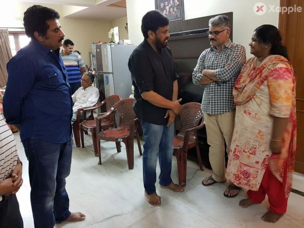Chiranjeevi Pays Homage to Rao Ramesh Mother