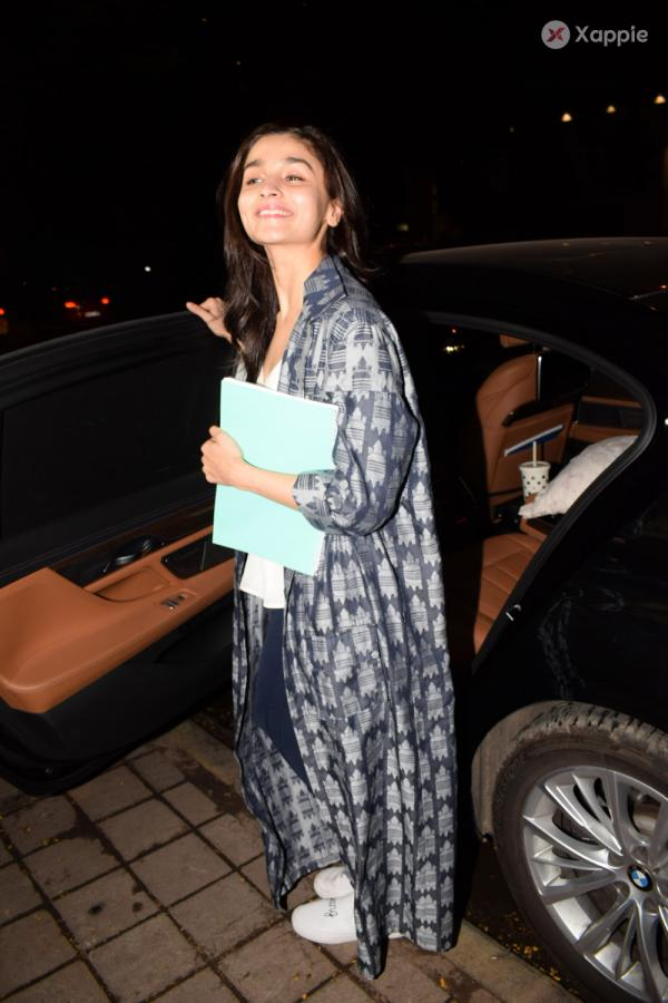Alia Bhatt  spotted at Kromkay salon in Juhu