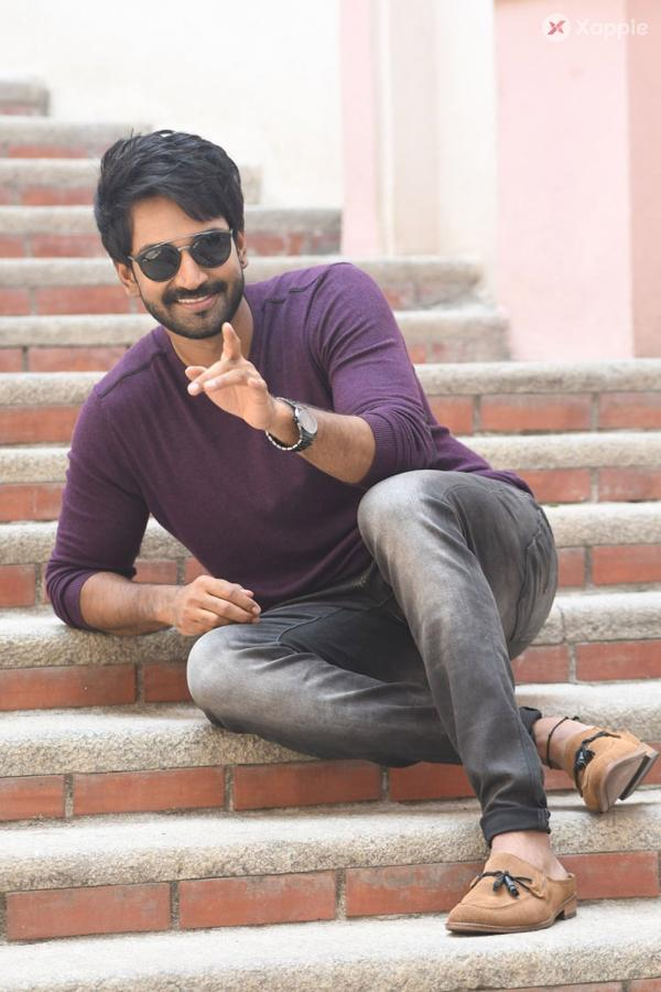 Aadhi pinisetty personal press meet stills