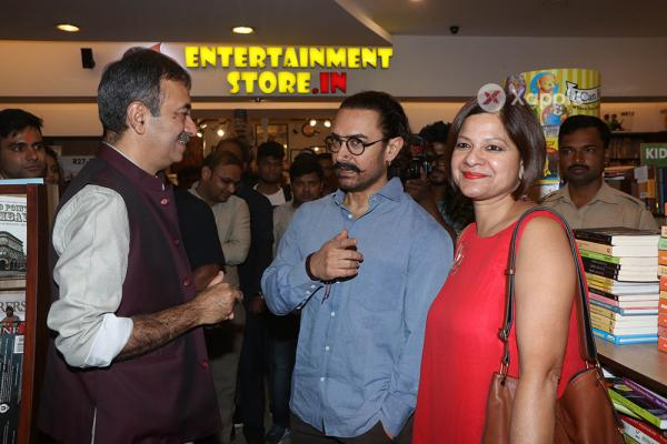 Aamir Khan And Rajkumar Hirani At The Launch Of Manjeet Hirani's Book  How To Be Human