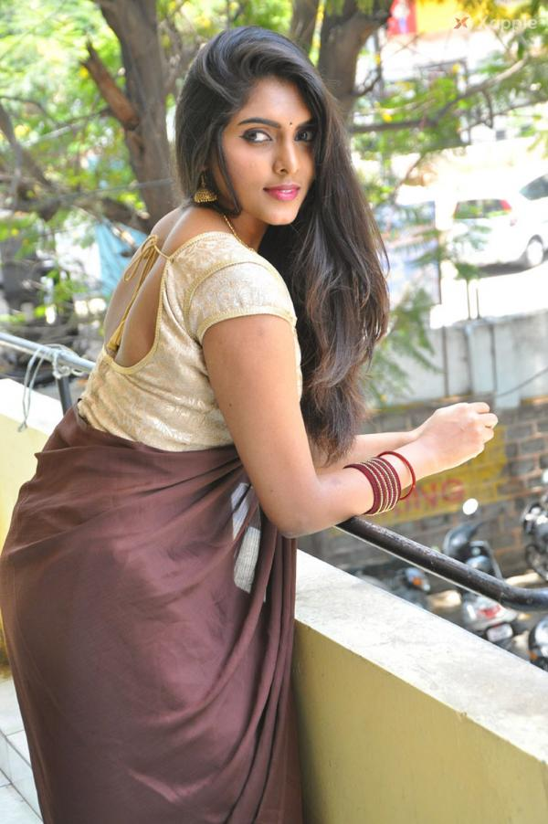 Aksha Lesha posing for a new movie Auditions