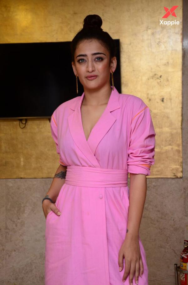 Akshara Hassan latest Pictures from Mr. KK Pre-Release event