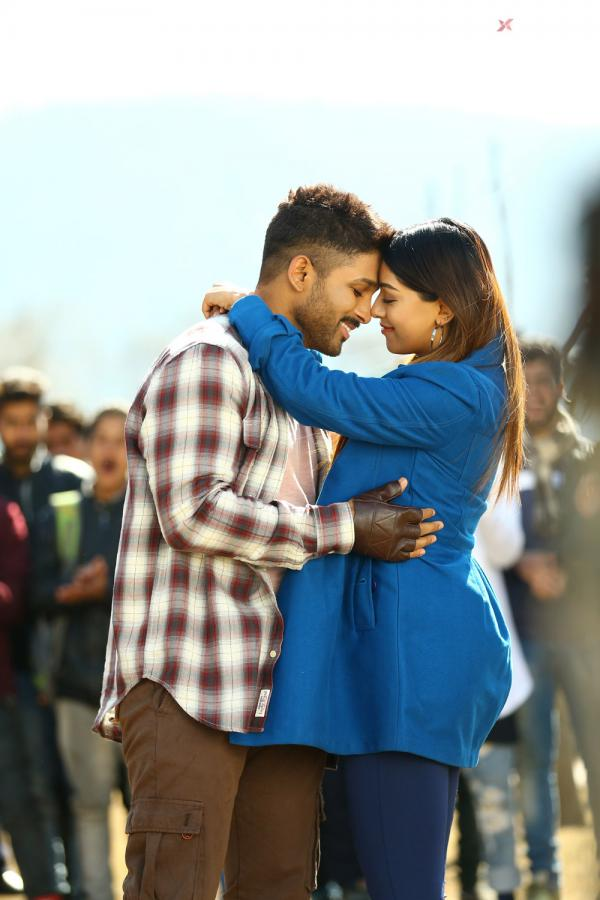 Naa Peru Surya Naa Illu India Movie Stills