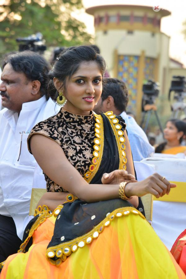 Charishma  At Ala Nenu Ila Nuvvu Movie Opening