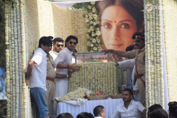 Sridevi's mortal remains taken to the Vileparle crematorium in mumbai