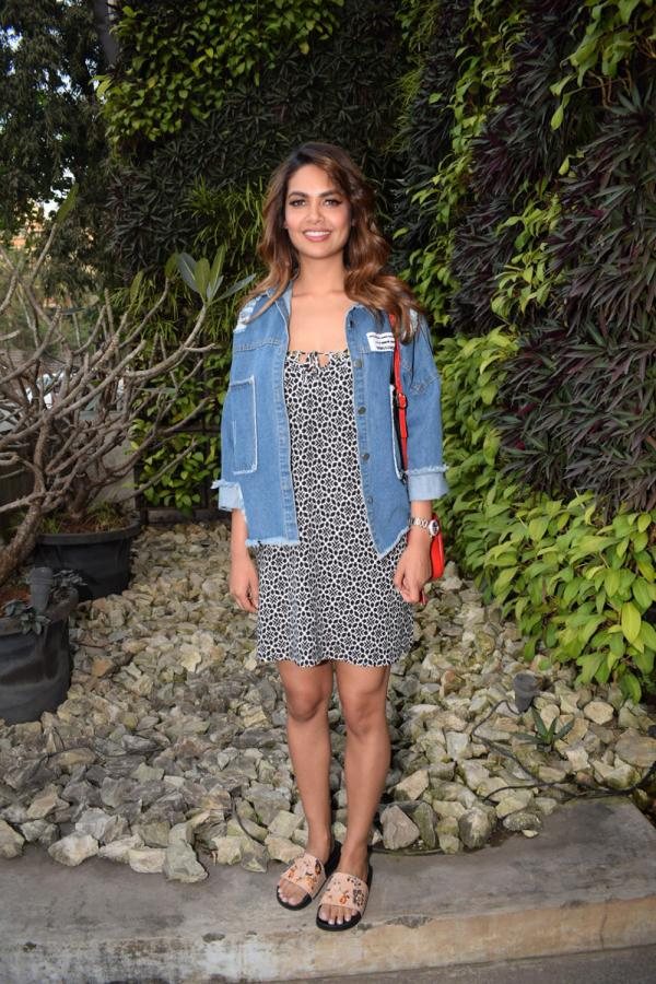 Esha Gupta Spotted At Charcoal Project