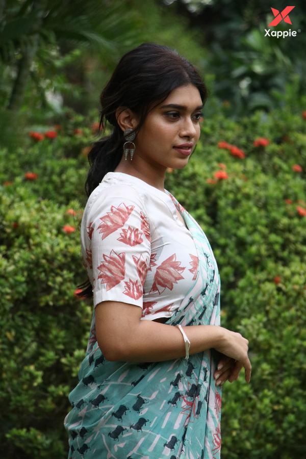 Bodhai Yeri Budhi Maari movie actress Meera Mithun latest stills