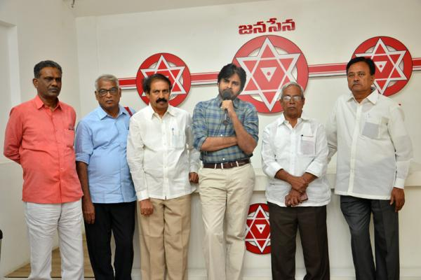 Pawan Kalyan says Prime Minister's Protest is not Trustworthy