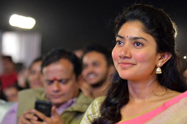 Sai Pallavi at MCA Movie Pre Release Event