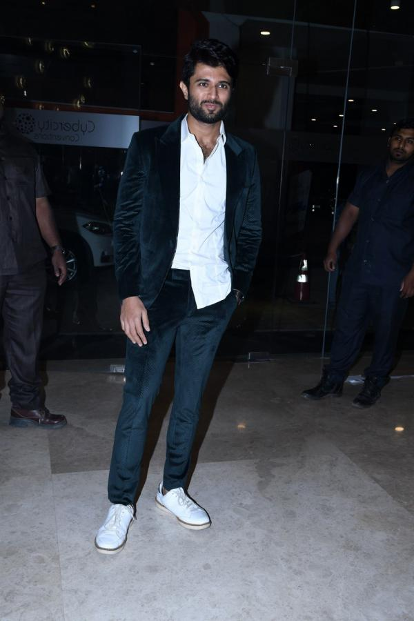 Vijay Sai Devarakonda at Mental Madhilo Movie Audio Pre Release Function